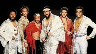 Watch Isley Brothers Aint Givin Up No Love video