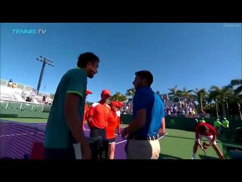 """""""Лучше заткнись"""": Теннисист Медведев ответил на оскорбление по национальному признаку"""