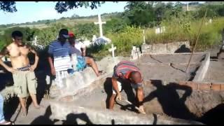 Filho é obrigado a cavar sepultura de mãe em Goiana - Blog do Anderson Pereira