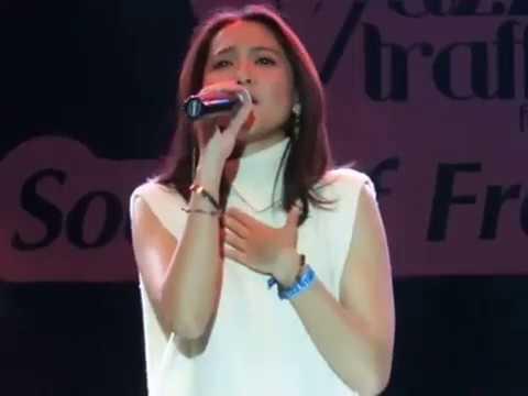 Free Download Lala Karmela - I Don't Know What To Wear At Jazztraffic Festival Surabaya 19/08/2017 Mp3 dan Mp4