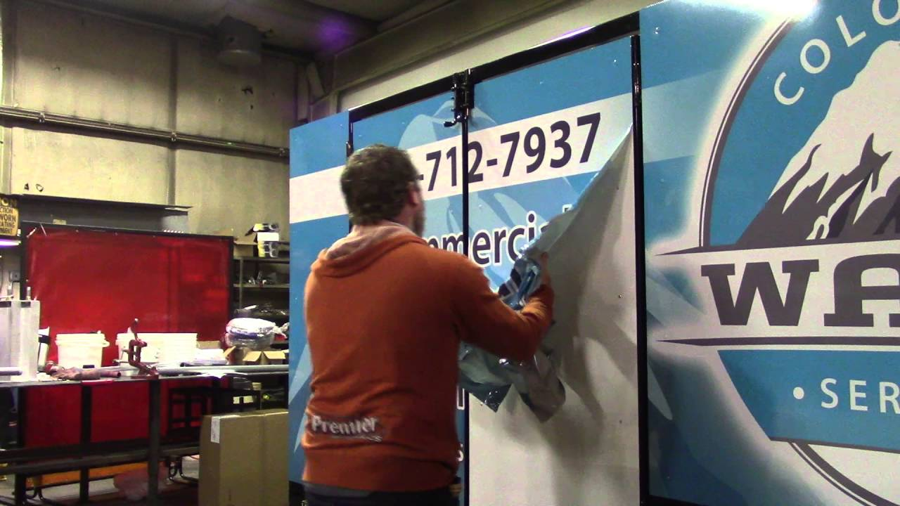 Tips on how to remove vinyl wrap sign material