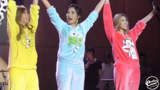 [Fancam] 141221 #เอมน้ำ จั่น ช่วงท้าย + ถ่ายรูปรวม AF11 Mini concert Thumbnail