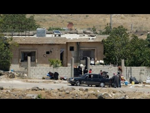 سوريا: وصول مئات المدنيين والمقاتلين إلى إدلب بعد إجلائهم من القنيطرة  - نشر قبل 1 ساعة