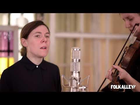 """Folk Alley Sessions: Anna & Elizabeth - """"Farewell to Erin"""""""