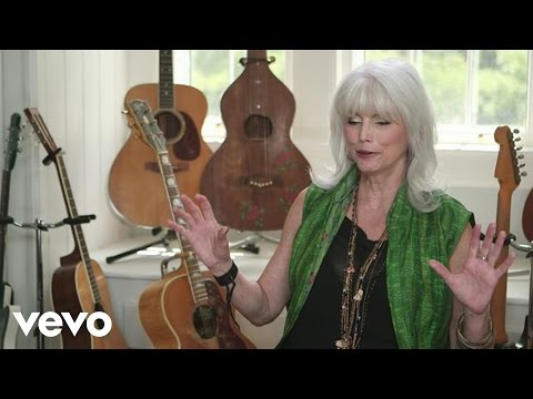 Willie Nelson - Emmylou Harris discusses Willie Nelson