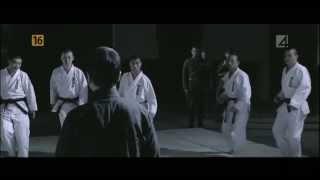 Walka Ip Mana z 10 karatekami. – kopia