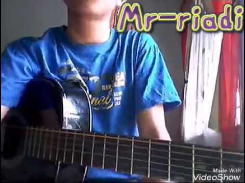 Belajar Kunci Gitar Buat Pemula. Cover Eskavis Band HDS Lengkap Dengan Chord Dan Tab