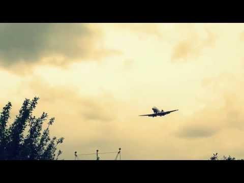 Plane landing at RAF Northolt