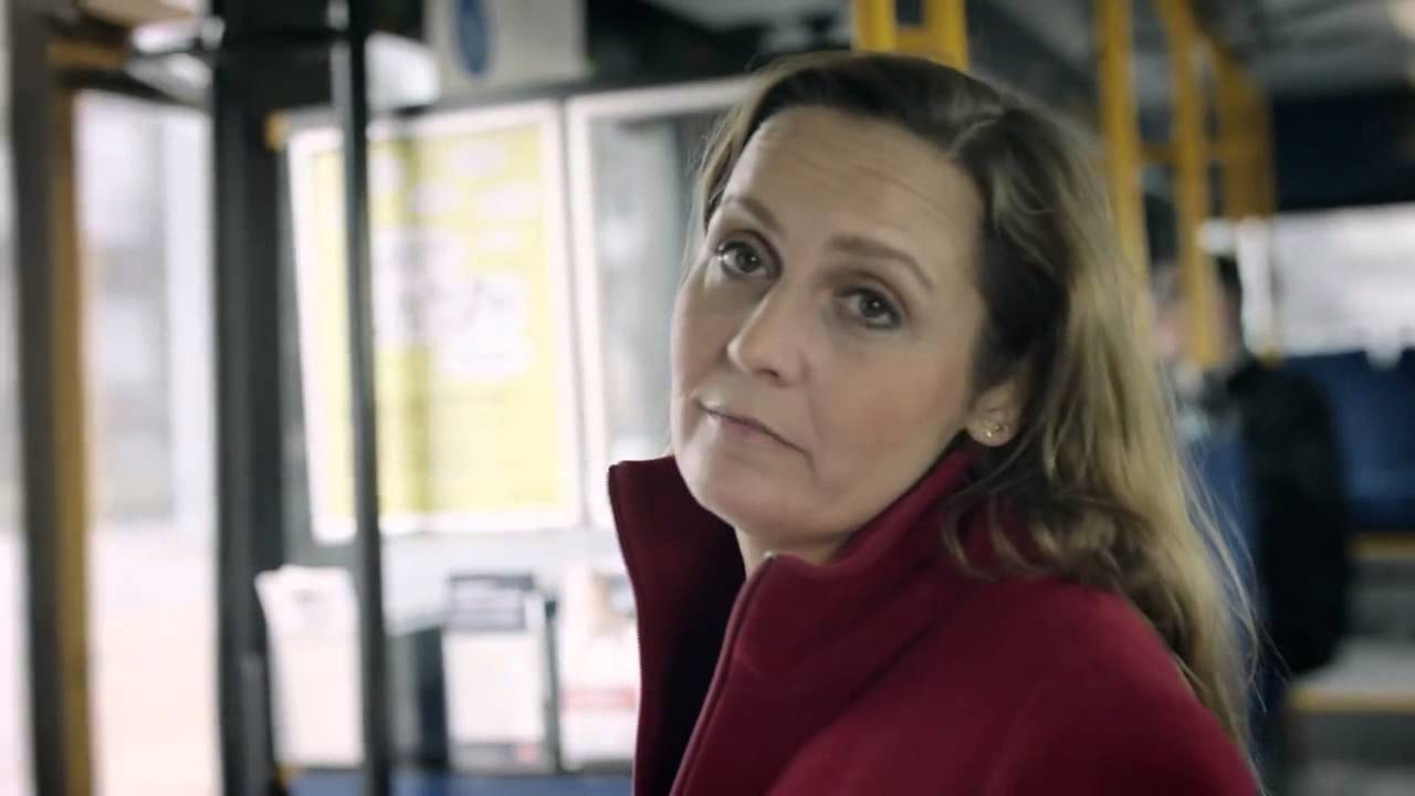 Pia Olsen Dyhrs bustur gennem byen feat  Natholdet
