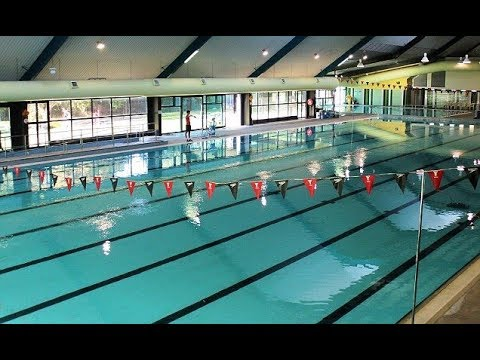 Swimmer d rowns at a public swimming pool in Melbourne