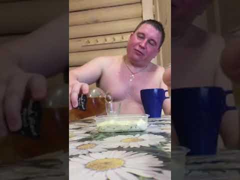 Анекдот, юмор , прикол, Спец по колбасе!!!!!!!