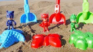 Farben Lernen mit PJ Masks! Die Pyjamahelden spielen am Strand.