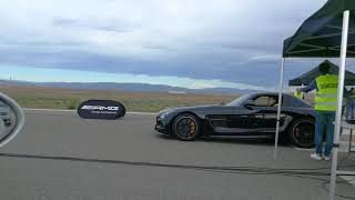 Drag race Mercedes Mclaren SLR vs Mercedes Benz SLS Black Series