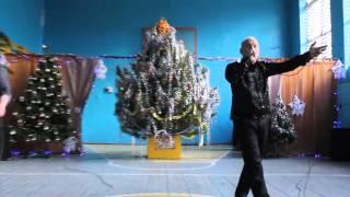видео С потолка дует