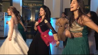 Texas Bride Surprises With Bollywood Dance, Blows Crowd Away