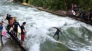 La Ola. English Garden (Munich). Surf