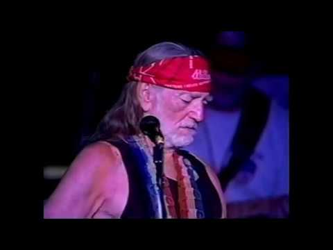 Willie Nelson live at Carl's Corner 2005 - Angel flying too close to the ground