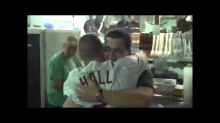 U.S. Army Soldier Surprises Sister & Mom Just in Time for Christmas