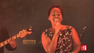 "Elida Almeida chante ""Sofa"""