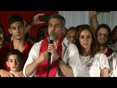 """Conservador """"colorado"""" Abdo Benítez nuevo presidente de Paraguay"""