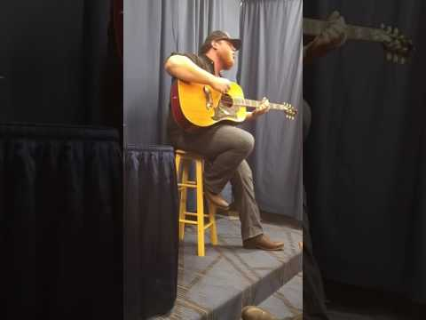 Luke Combs - Beautiful Crazy (State College 2/3/17)