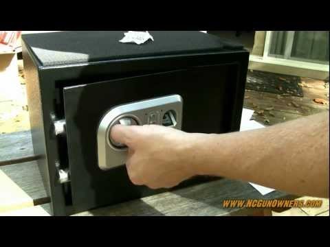 Stack-On Biometric fingerprint safe: unboxing and review