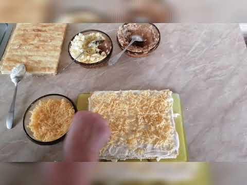 Закусочный торт из слоеных коржей