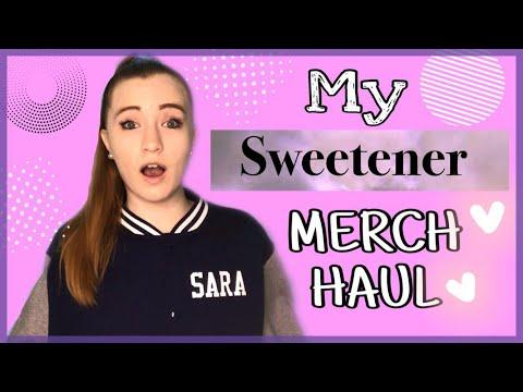 Ariana Grande SWEETENER Merch Haul | Sara Harlee