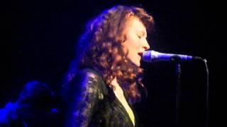 """Melissa Auf der Maur - """"Isis Speaks"""" live (HD)"""