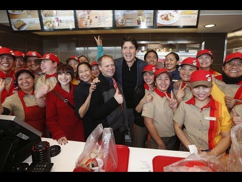 Canada PM Justin Trudeau, kumain sa fast food chain, Nag-Trending online