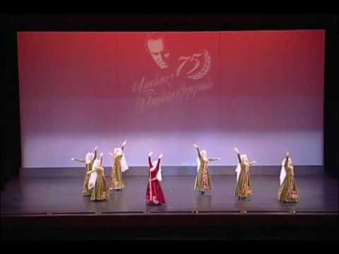 Vanoush Khanamerian Dance School - Uzundara (Bride's) Par - Armenian Traditional Dance