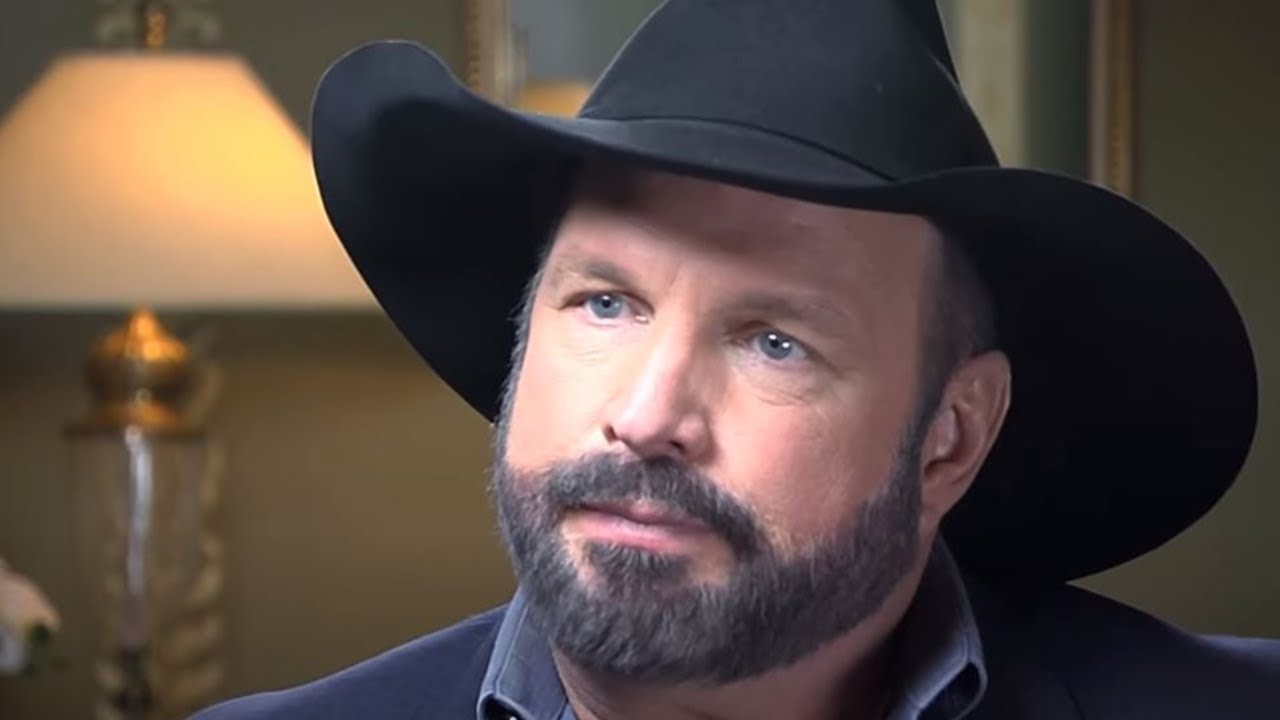 Garth Brooks Abruptly Cancels All Events, Possible Coronavirus Exposure On His Team