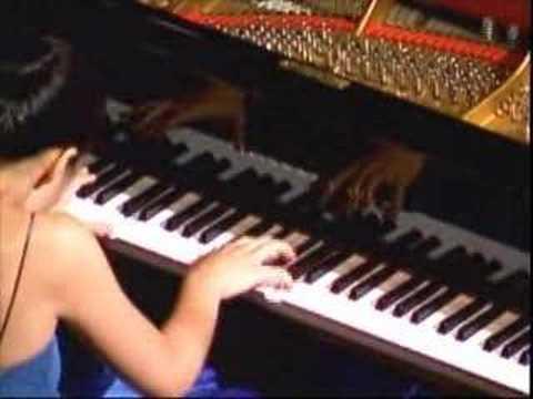 Cliburn Concerts presents Joyce Yang