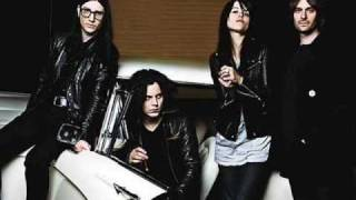The Dead Weather - No Hassle Night