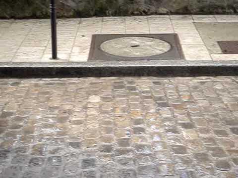 Montmartre Cemetery Sunshowers