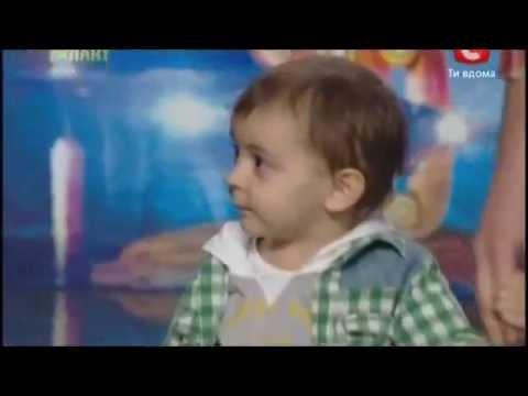 Cậu bé 2,5 tuổi nhảy hiphop cực yêu