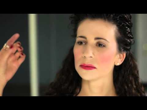How to do Hair and Makeup for the 1700s - YouTube