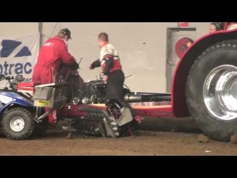 Indoor Tractorpulling Zwolle 2011 : Never Satisfied Explodes