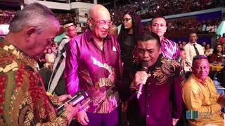 Video DIDI KEMPOT ONTVANGT PLAKKAAT VAN PRESIDENT REPUBLIEK SURINAME download MP3, 3GP, MP4, WEBM, AVI, FLV November 2018