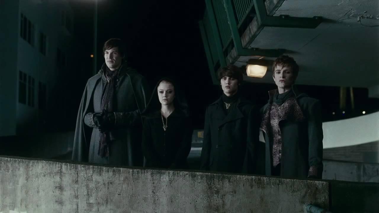 "THE TWILIGHT SAGA: ECLIPSE - Clip ""The Volturi Decide"" - YouTube Dakota Fanning"