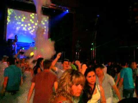 Ночной клуб худжанд девушки со спины в ночном клубе