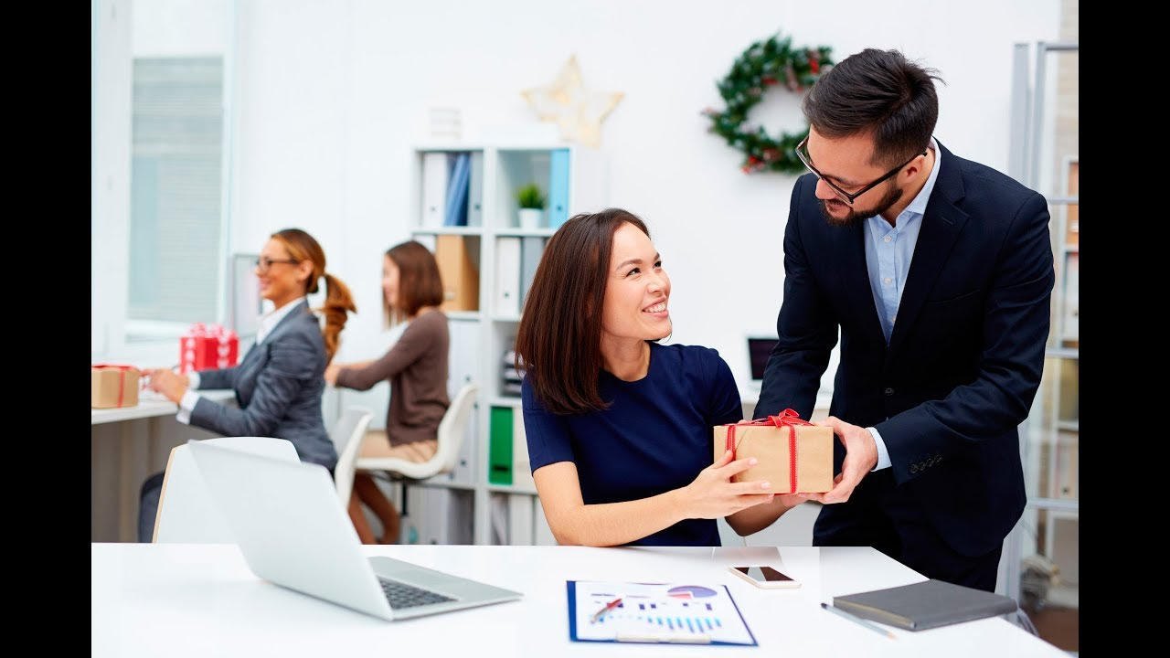 Cuando encuentras un trabajo mejor [PUNIQRANDLINE-(au-dating-names.txt) 64
