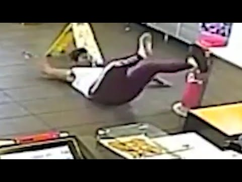 Woody and Wilcox - This Woman Got Hit In The Face With A Blender At McDonald's