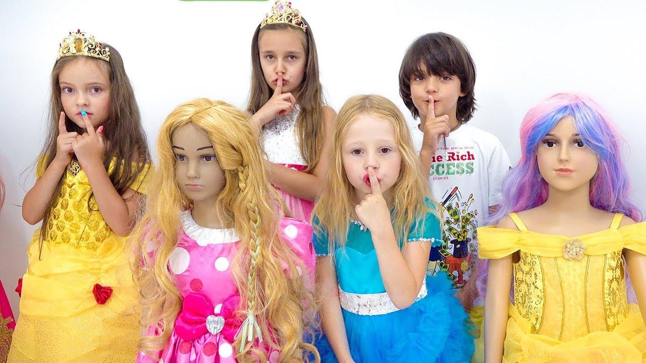 Настя и её друзья устроили вечеринку