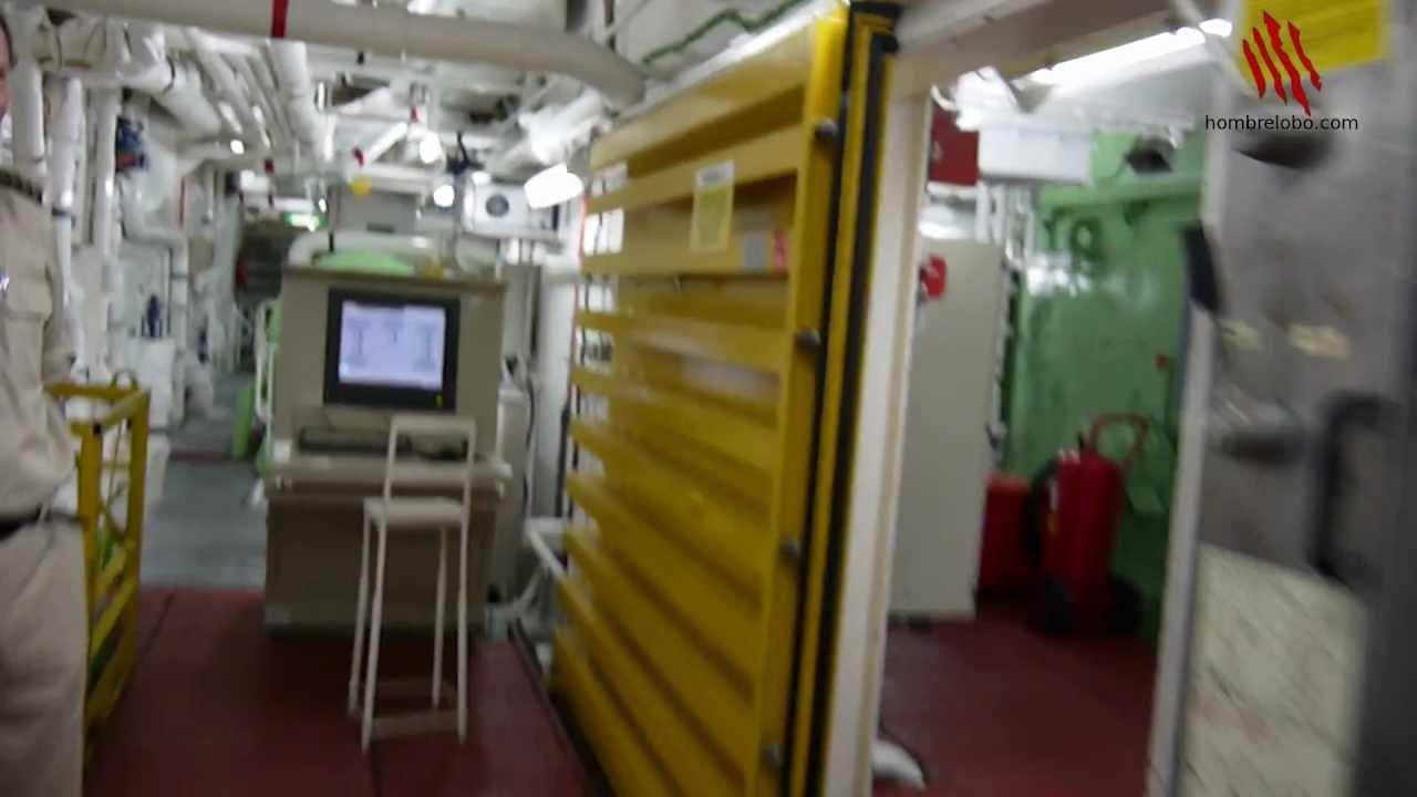 Un motor impresionantemente grande el del barco youtube for Cocinas para barcos