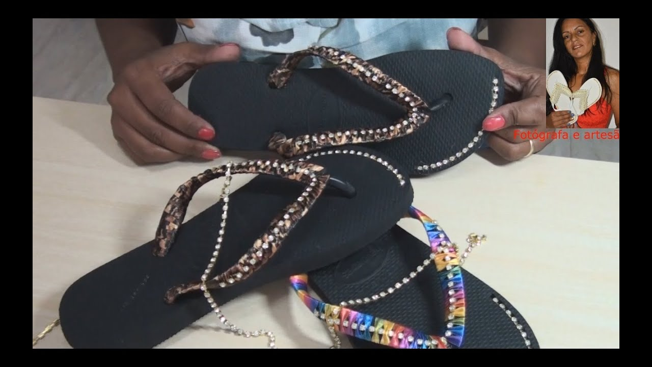 084cf28967e0ae DIY: como colocar strass com fita na correia de chinelos by Latina Chinelos  Customizados
