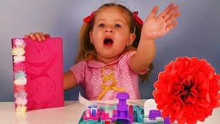 Диана распаковывает Pom Pom Wow - Интересные игрушки для Девочек
