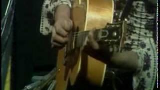 Фрагмент концерта, ак. гитара, вокал.