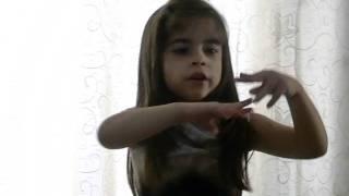 """Amanda Liz  cantando: """"Cuba que linda es Cuba"""""""