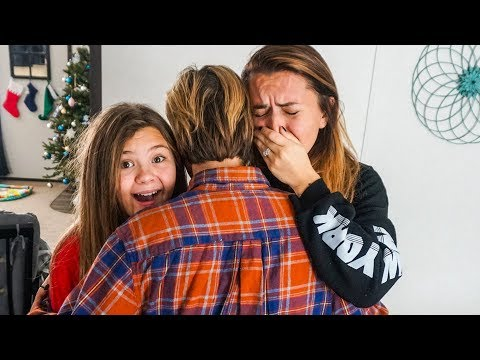 EMOTIONAL FAMILY SURPRISE!! 😱 | Slyfox Family